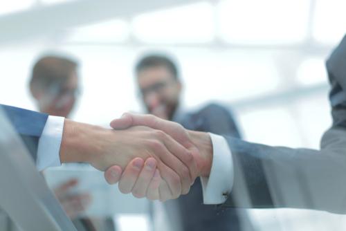 Como convidar uma empresa para uma parceria: 5 dicas para não errar